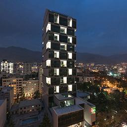 ساختمان بلند